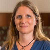 Nadja Köszegi, Partnerschaft und Brustkrebs